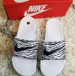 NWT Nike Benassi JDI Zebra Print Slides